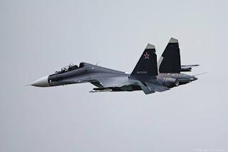 Jet Tempur Sukhoi-30SM