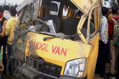 NewsTimes - 10 school children killed in van-train collision in UP