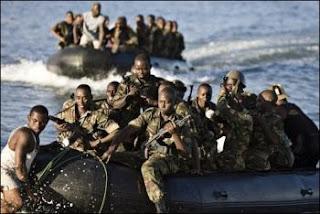 Des marins tanzaniens débarquent aux Comôres