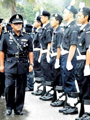 Kadet Polis Pontian Laporan Akhbar Utusan Malaysia