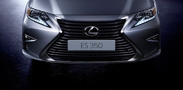 Lexus ES 350 thế hệ thứ 6 vừa được Toyota Việt Nam trình làng