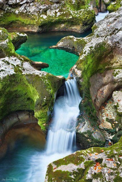 keindahan alam yang memukau pandangan dan terpaku keasyikan