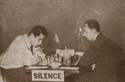 Partida de ajedrez Ivar Gumaelius (Suecia) - Jerzy Arlamovski (Polonia)