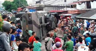 Panser Tarantula Milik TNI Terbalik