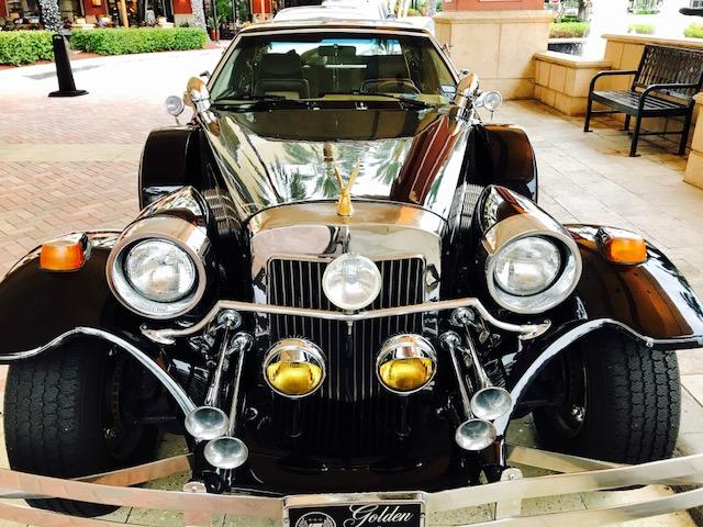Candid Street Sedan lg Pin Badge Beautiful Automobile Pin Unequal In Performance