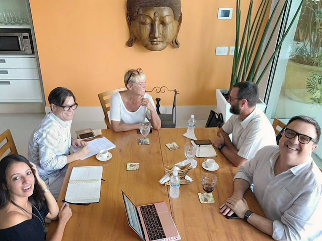 Xuxa se reúne com equipe do Dancing Brasil 3