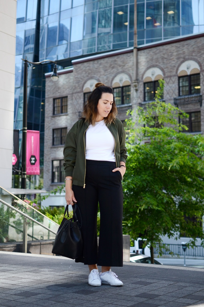 Express Olive Green Bomber Jacket Mansur Gavriel Bucket bag Cool culottes outfit Vancouver fashion blogger