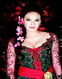 Gambar Model Kebaya Lengan Panjang 2015 Trend Terbaru Merah