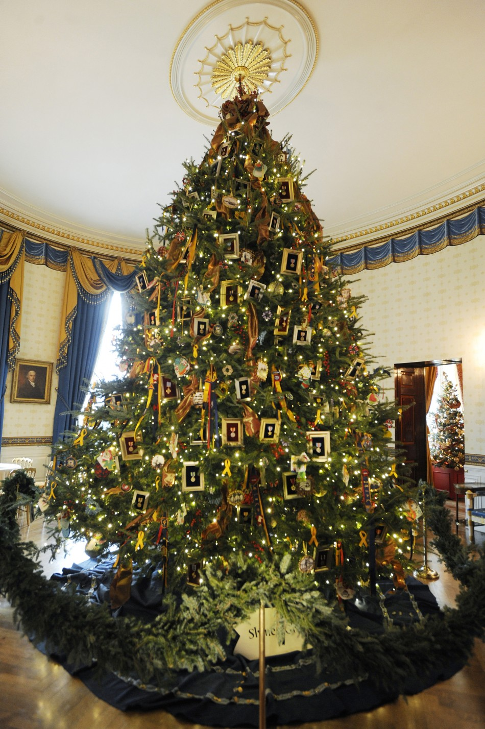 Victorian Christmas Tree.History Undressed The Joys Of A Victorian Christmas By Tara