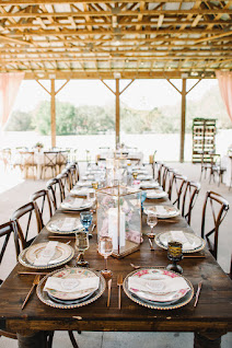 simple wedding reception table setting