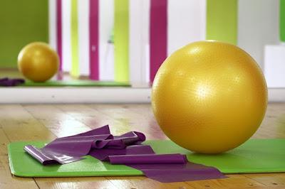Vagas para Fisioterapia, Pilates, Pintura e atendimento psicológico para pacientes de doenças reumáticas.