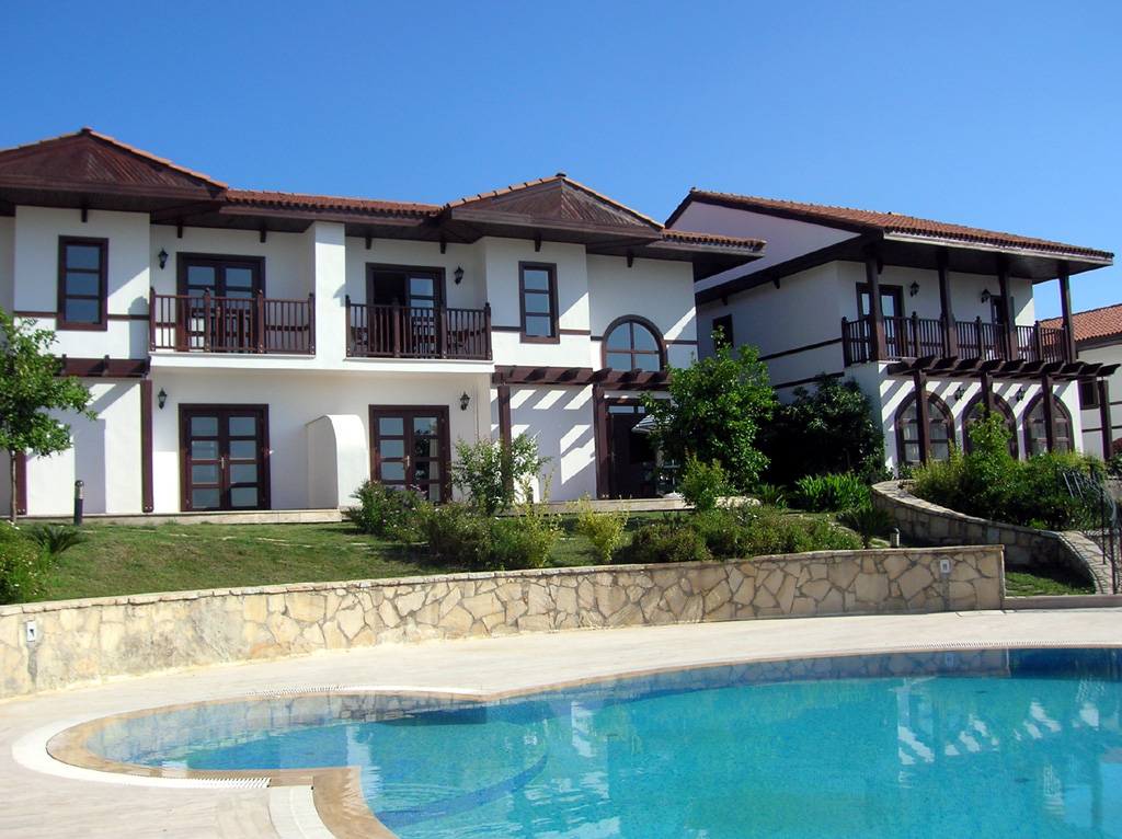 Elegance of living villa exterior design ideas for Villa exterior design ideas