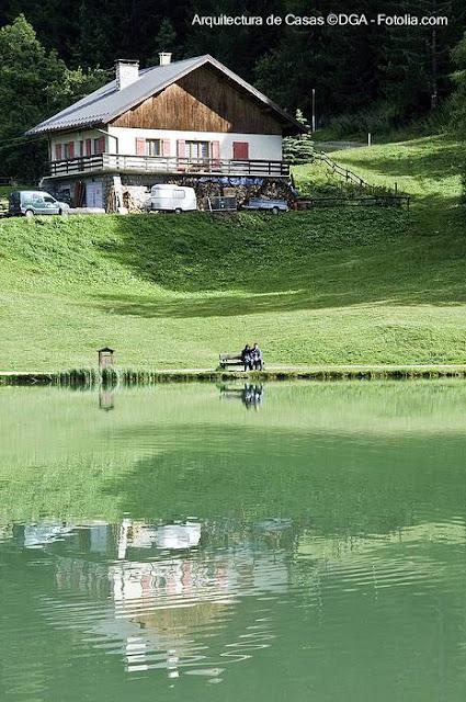 Chalet tradicional rústico tipo suizo
