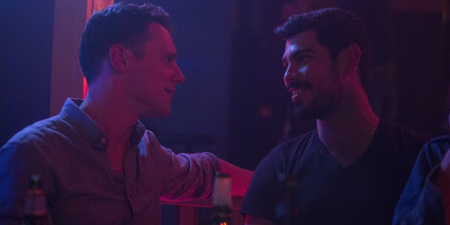 Jonathan Groff e Raúl Castillo em LOOKING: THE MOVIE