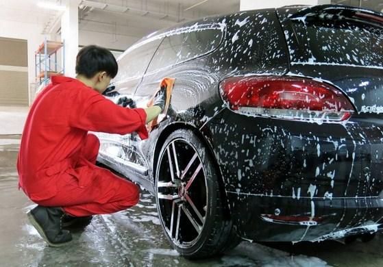 Tips Menjaga Mobil Anda Bersih