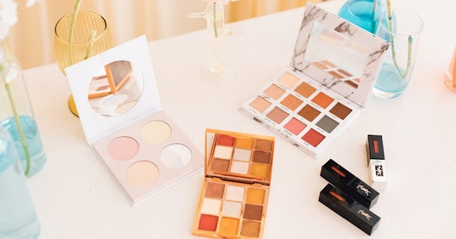 Give beautiful look to your products with custom cosmetic packaging