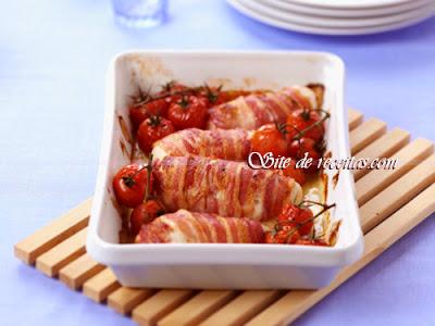 Rocambole de frango recheado com bacon