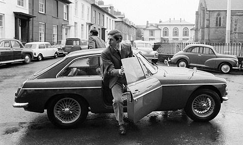 Tamerlane's Thoughts: Prince Charles and his MG MGC GT