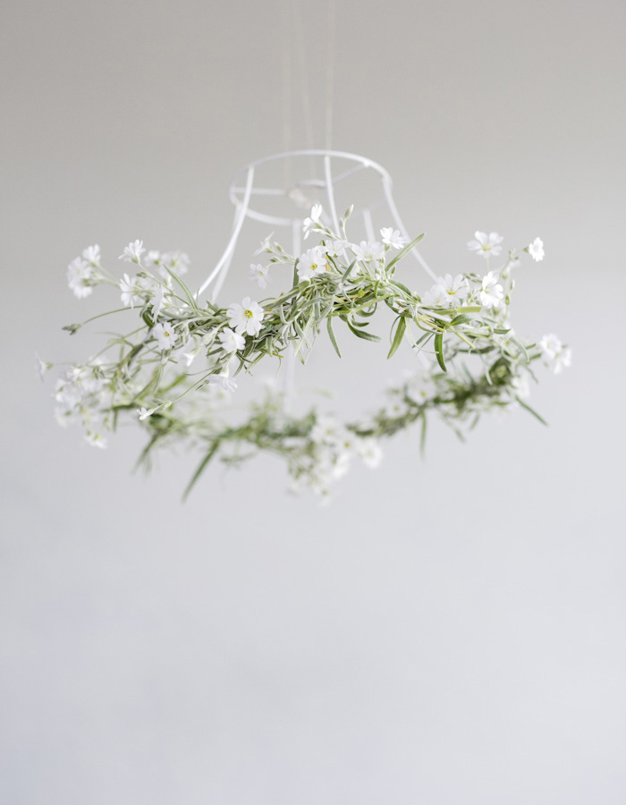 flower chandelier DIY photo by Kreetta Järvenpää www.gretchengretchen.com