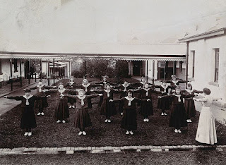 Metropolitan_Lunatic_Asylum%252C_Kew%253B_female_patients_exercising_Wellcome_V0030022.jpg