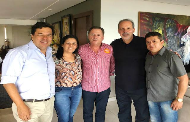 Joelma Campos, Sérgio e Genilson Lucena em foto declarando apoio a Armando Monteiro