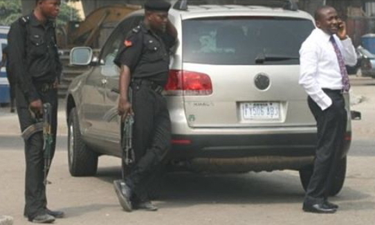 lady arrested in lagos over missing weave on receipt