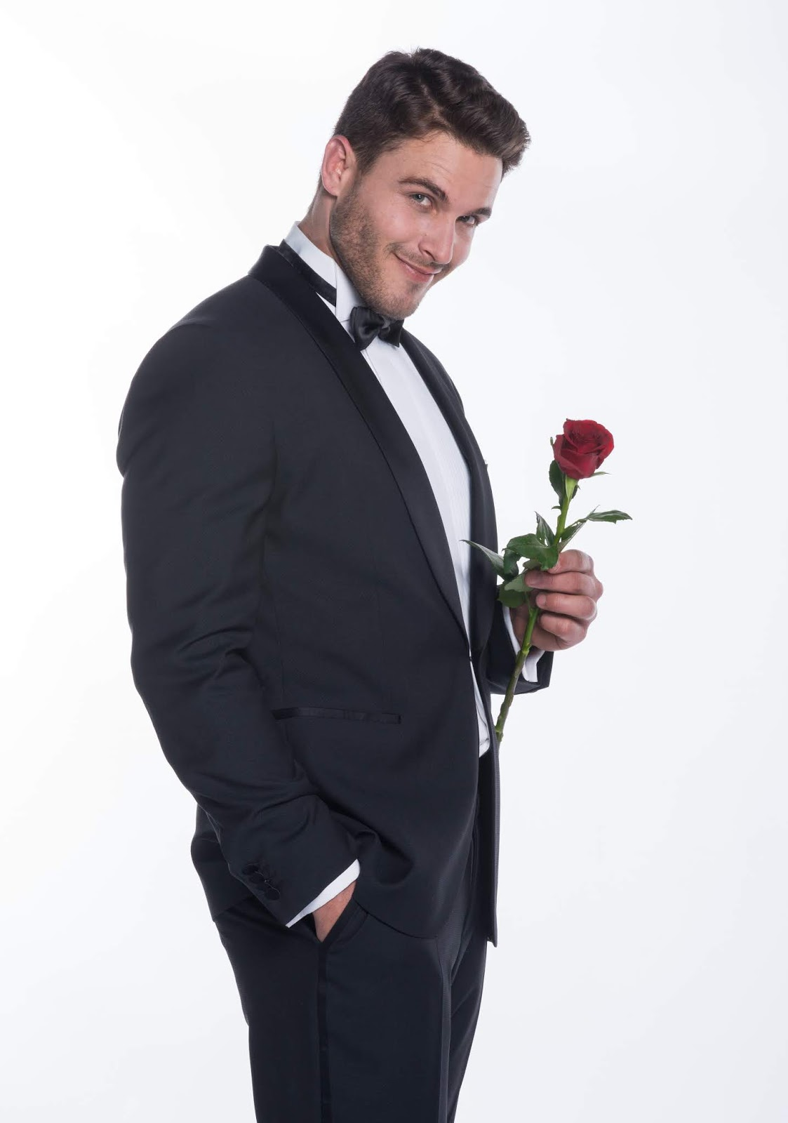 Bachelor South Africa - Lee Thompson - Season 1 - Media SM - *Sleuthing Spoilers* Lee%2BThompson%2BM-Net%2BThe%2BBachelor%2BSA%2BThe%2BBachelor%2BSA%2Bdressed%2Bin%2Bsuit%2Brose