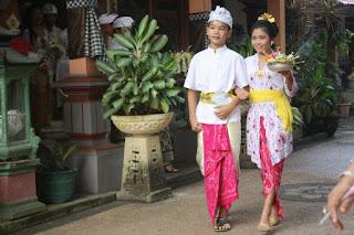 Baju atau Pakaian Adat Bali