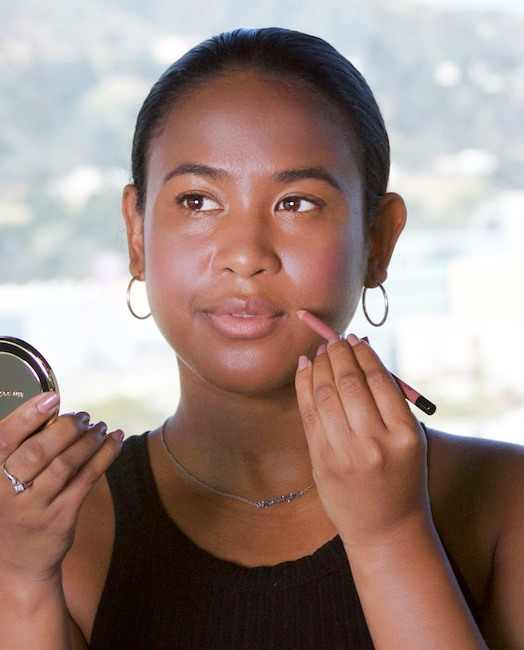 Perfect Meghan Markles Classic Nude Lip Look on D.A.M.E