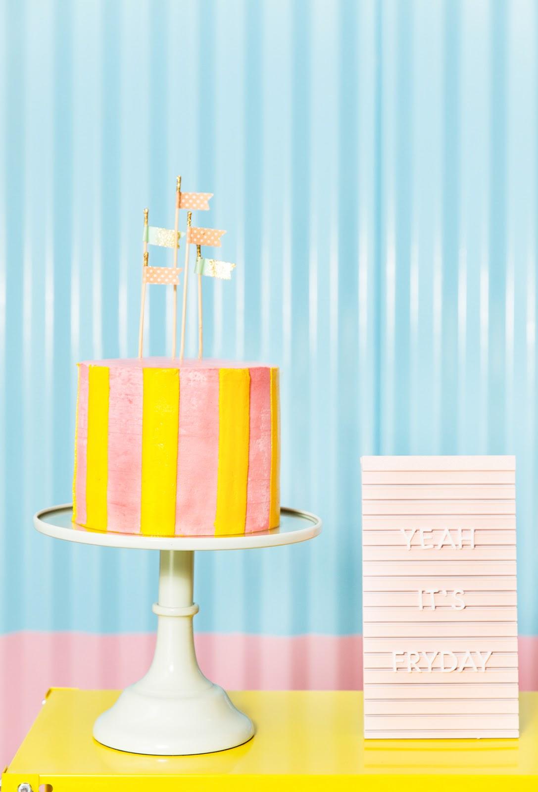 striped butter cream cake hot dog party a garimpeira blog do math alba apen fotografia