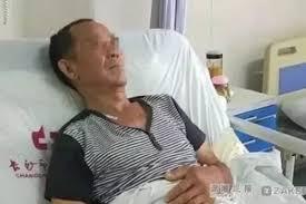 Usai Makan Semangka yang Disimpan Lama di Kulkas, Pria Ini Dilarikan Ke Rumah Sakit