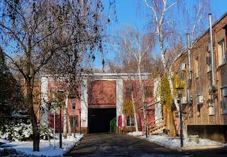Бахмут. Завод шампанських вин. Вхід до виносховища