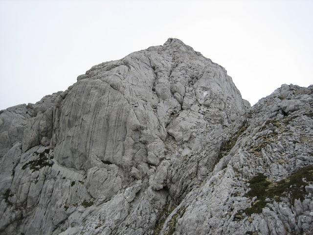 Rutas Montaña Asturias: Vista desde la base del Requexón