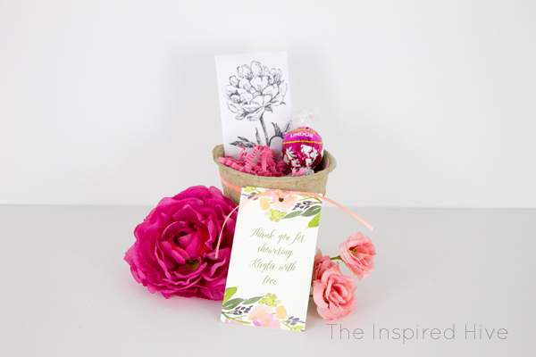 Easy DIY bridal shower favor idea! Make wildflower seed packets for a floral themed bridal shower.