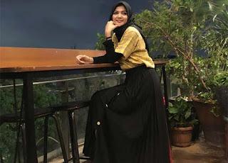 Melsy Delsini Pakai Hijab
