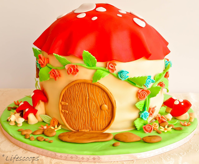 Fondant House Cake Tutorial