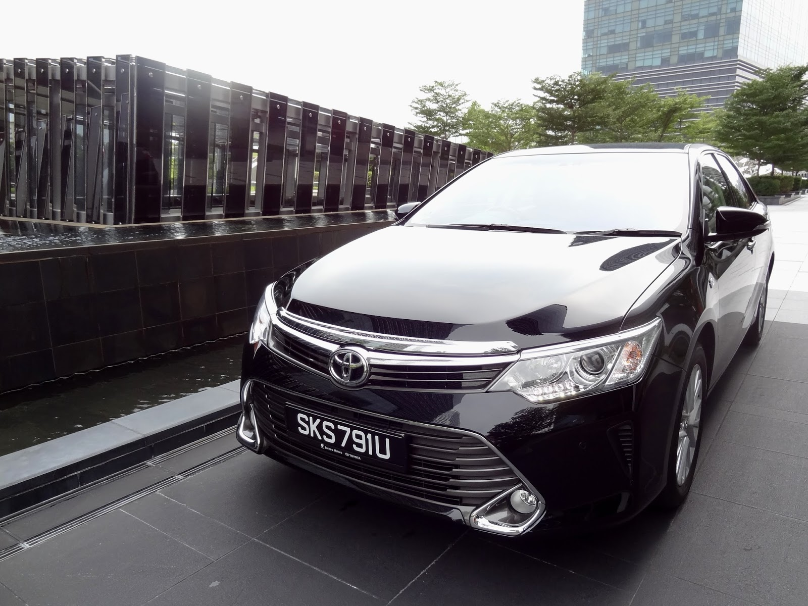 All New Camry Singapore Lampu Stop Grand Veloz Shaun Owyeong 2015 Toyota 2 5 A Class Leading