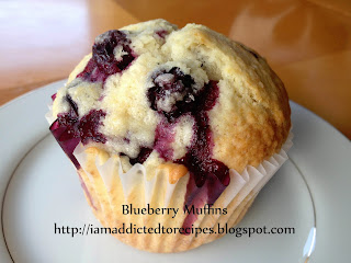 Blueberry Muffins | Addicted to Recipes