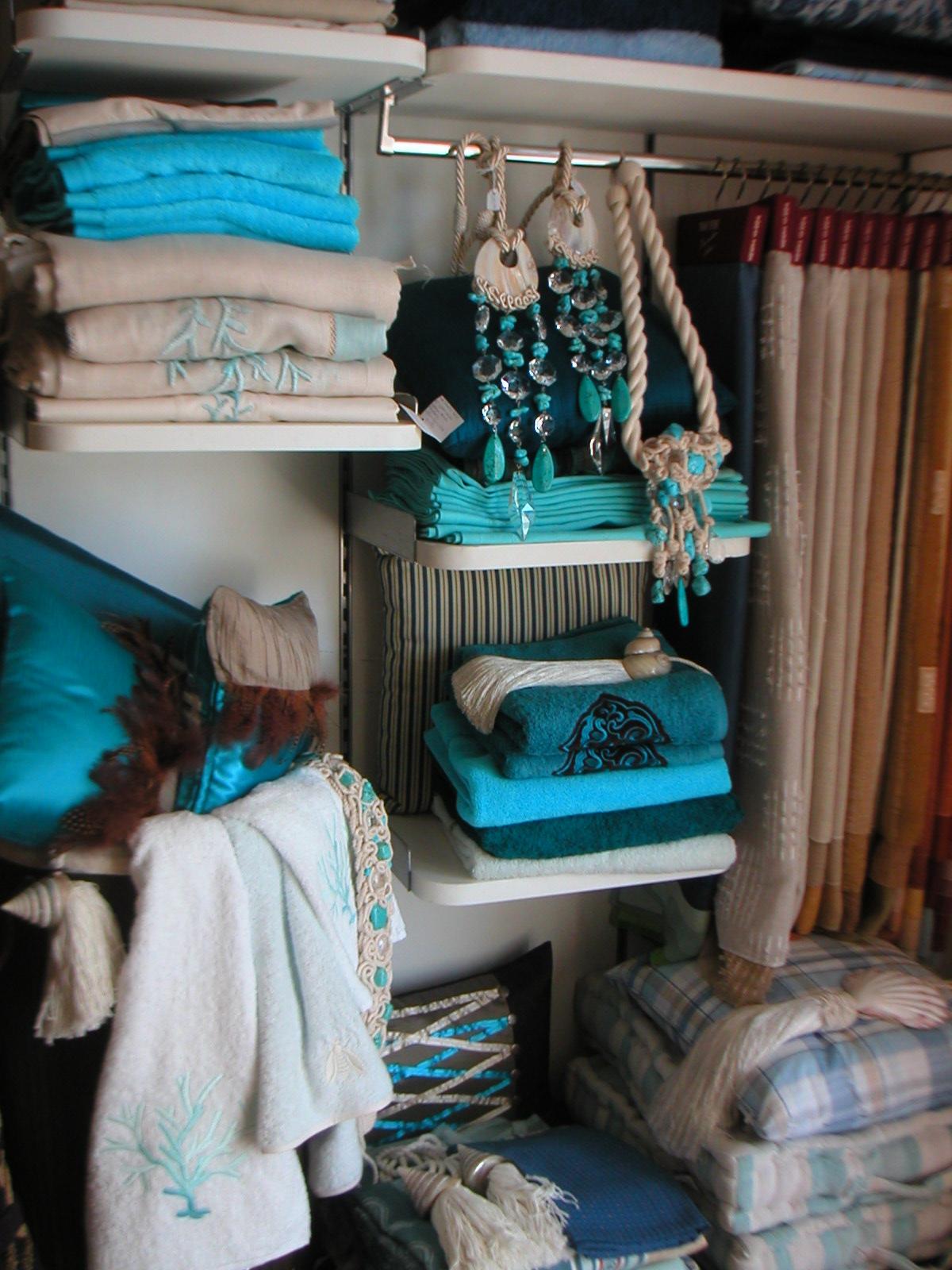 Il blog di nuovo abitare consigli di arredamento vetrine for Arredamento abitare