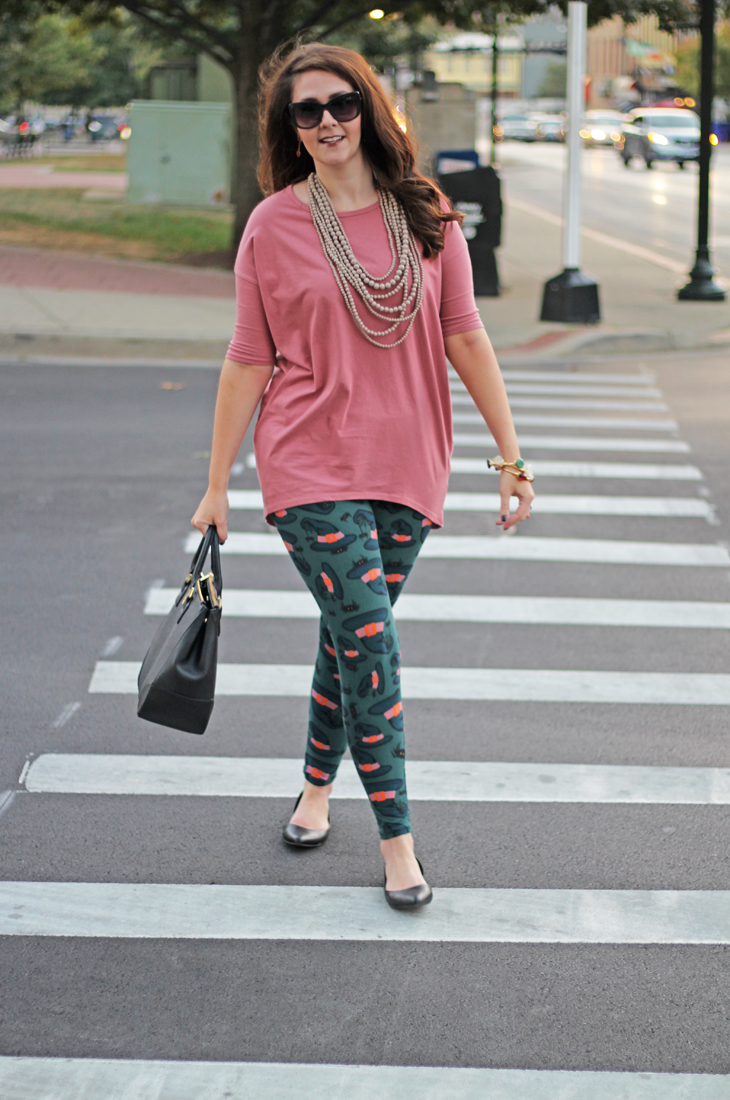 Bright on a Budget LuLaRoe Halloween Leggings Outfit