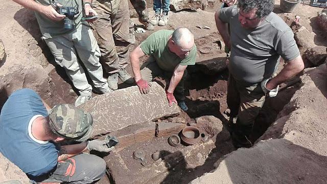 Iron Age graves brought to light at Capodimonte, Naples