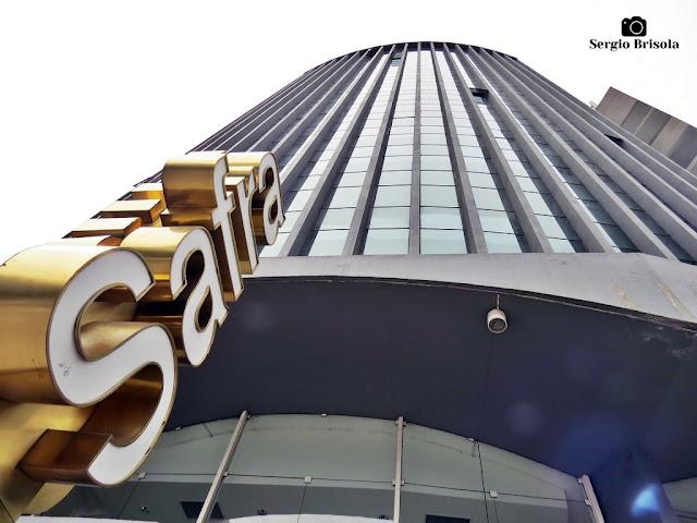 Perspectiva inferior da fachada do Edifício Novo Horizonte - Pinheiros - São Paulo
