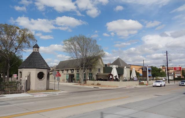 2300 Westheimer Rd, Houston, TX 77098 - Restaurant space