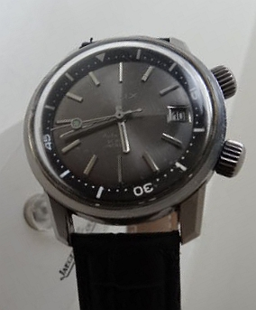 a50c4fe1c6add Elix diver from the 60s. Looks very much like a 36mm Super Compressor. From  another angle it seems to have crosshatched crowns.