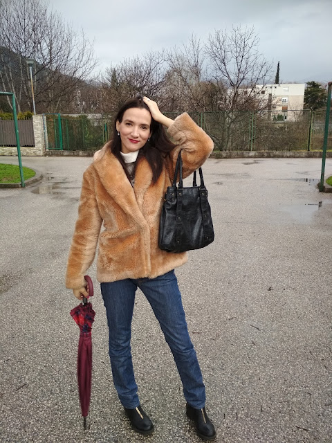 How to wear a faux fur coat?  (a selection of illustrated and photographed outfits) #moda #oftd #fashioblog