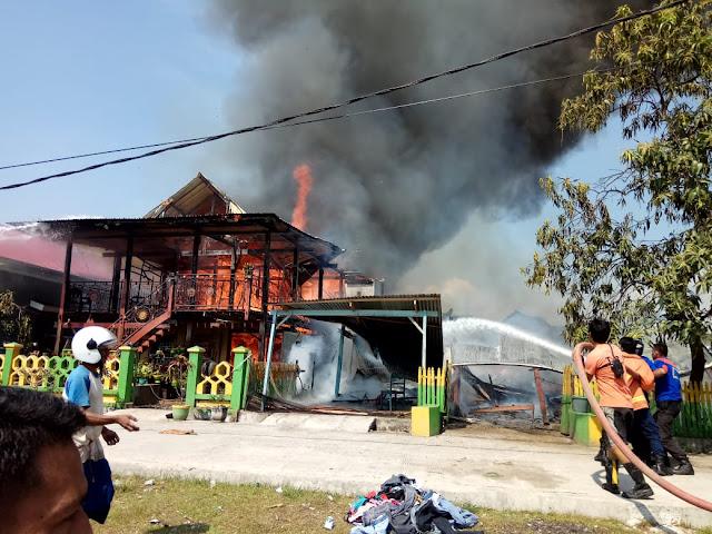 Lupa Matikan Kompor, 5 Rumah di Mallanroe Jadi Korban Keganasan Api