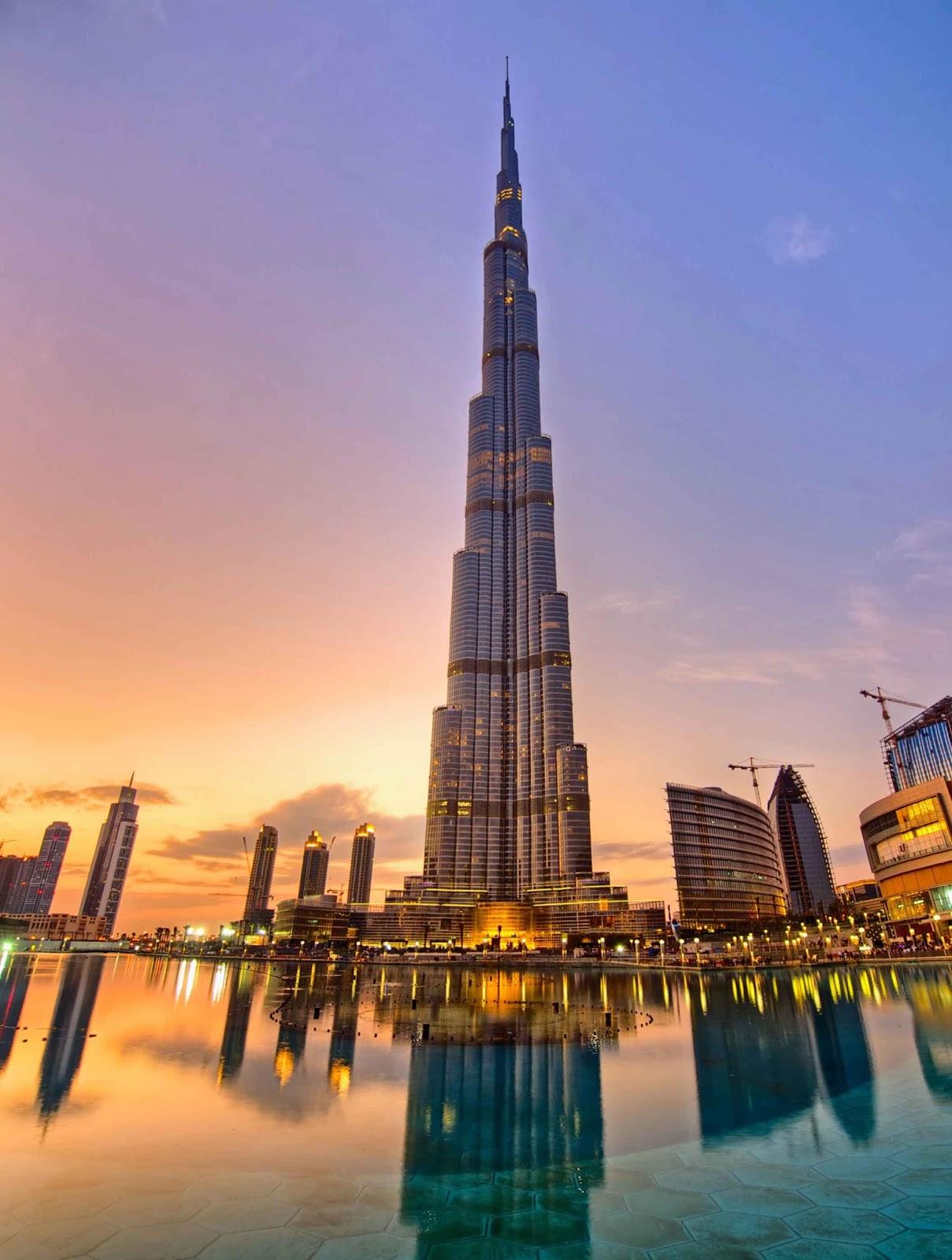يبلغ ارتفاعه 828 متر، ويتكون من 163 طابقا، سيذهلك المنظر البانورامي لمدينة دبي من أعلى البرج، يقع برج خليفة وسط مدينة دبي على شارع الشيخ محمد بن راشد ...
