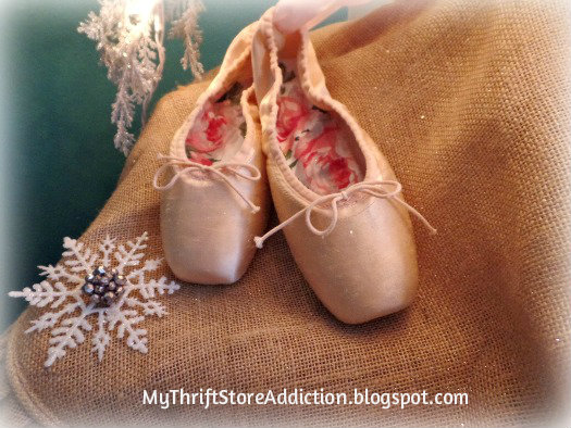 Friday's Find: Skip the Crowds & Browse Charming Mason mythriftstoreaddiction.blogspot.com Vintage pointe shoes from Mason, Texas