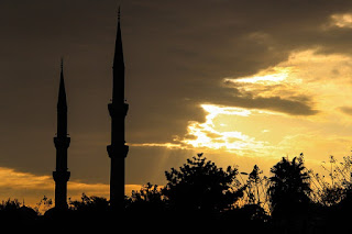 Ketika Hendak Shalat Shubuh di Masjid