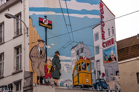 El joven Albert en la ruta del comic en Bruselas